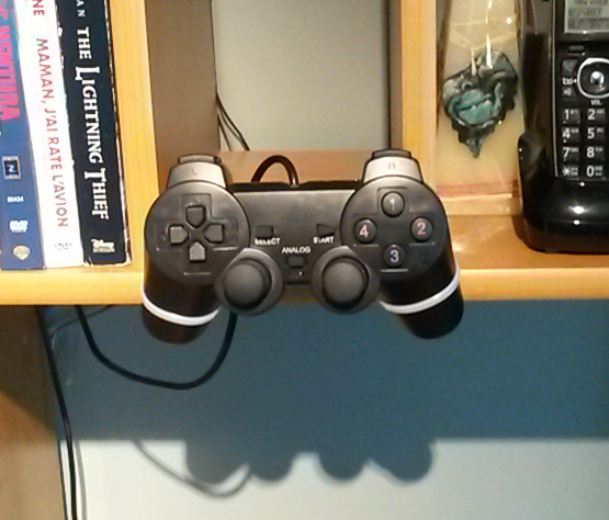 Picture of PS2,3,4 Controller Edge Stand (PC/MAC)