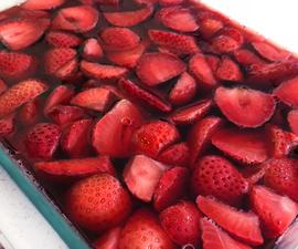 Fresh Strawberry Terrine (Cranberry Sauce Alternative!)