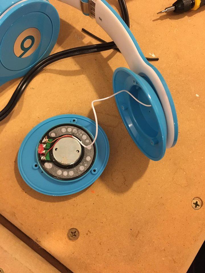 Picture of Disassemble the Broken Headphones