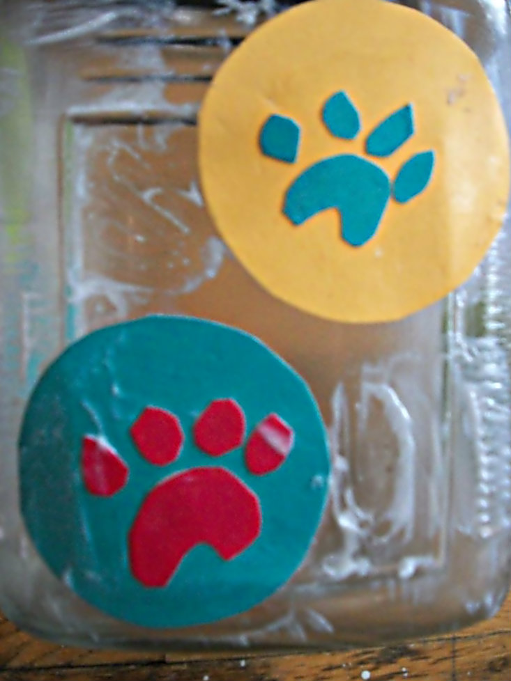 Picture of Place Paw Prints on Jar