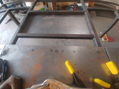 Placement of Mounting Plates and Risers for Center Piece