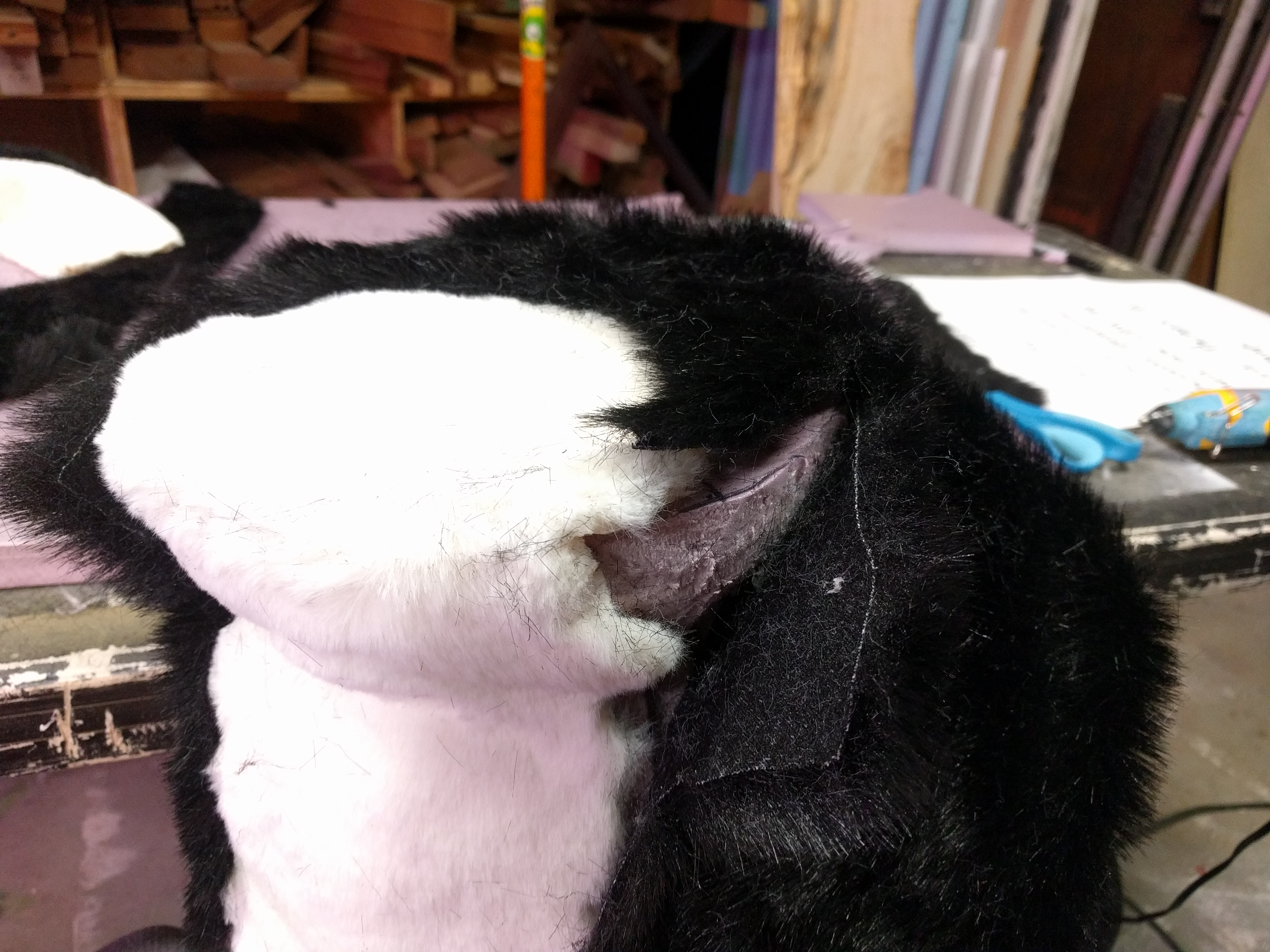Picture of Cover the Foam Shape in Fur
