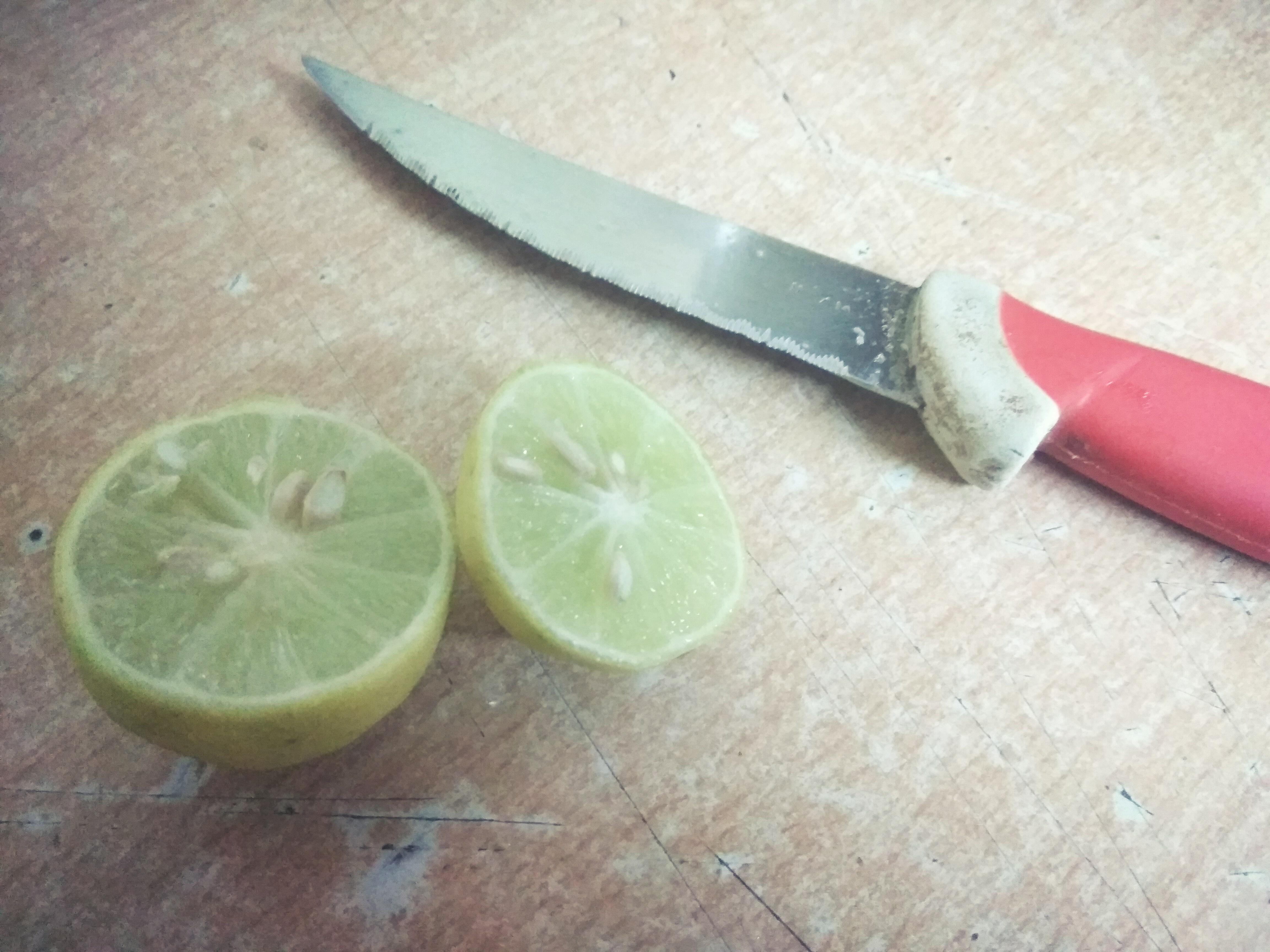Picture of Cut Lemons