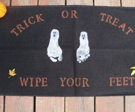 Easy Halloween Rug to Make with your Kids!