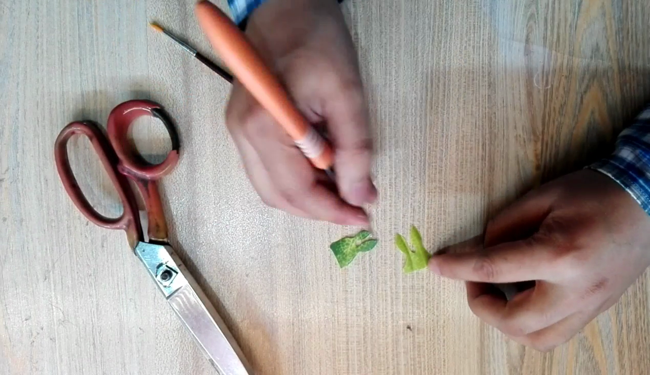 Picture of Making Leaves and Flower