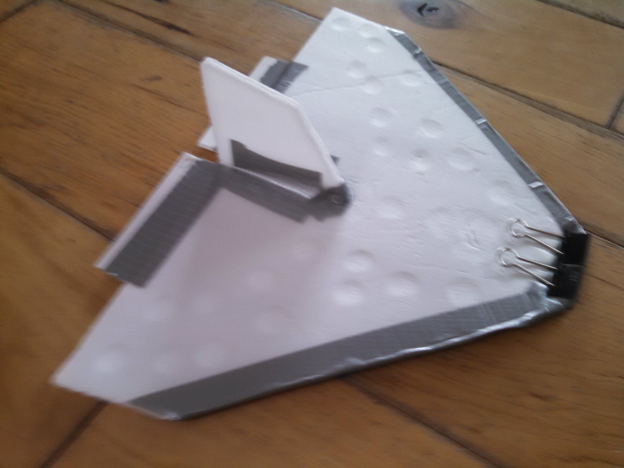 Picture of $0.50 Easy to Make Glider