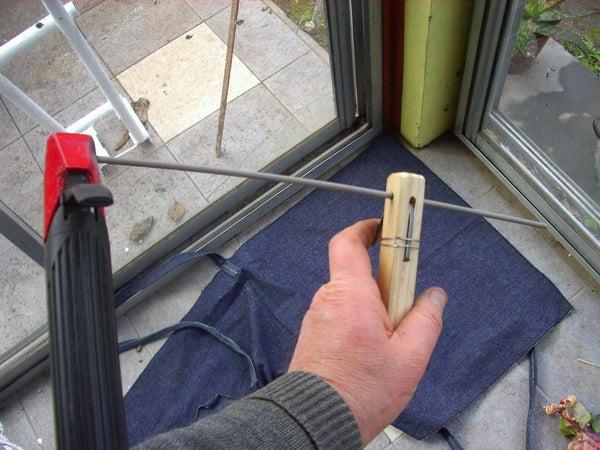 Easy, Useful, 5 Minutes, Free, Stick-welding Tool (fýcil, Ýtil, 5 Minutos, Gratuita, Herramienta Para Soldadura Elýctrica)