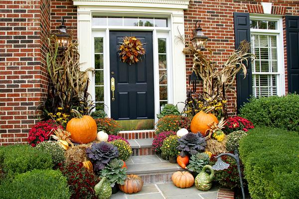 Picture of Front Door Displays Are Popular in Metropolitan Areas