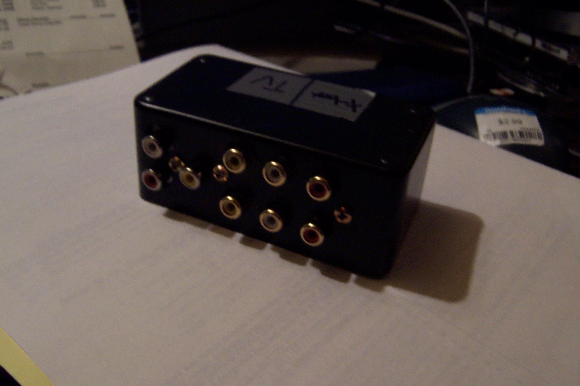 Rca Composit Av Switch 6 Steps 2 Way Box