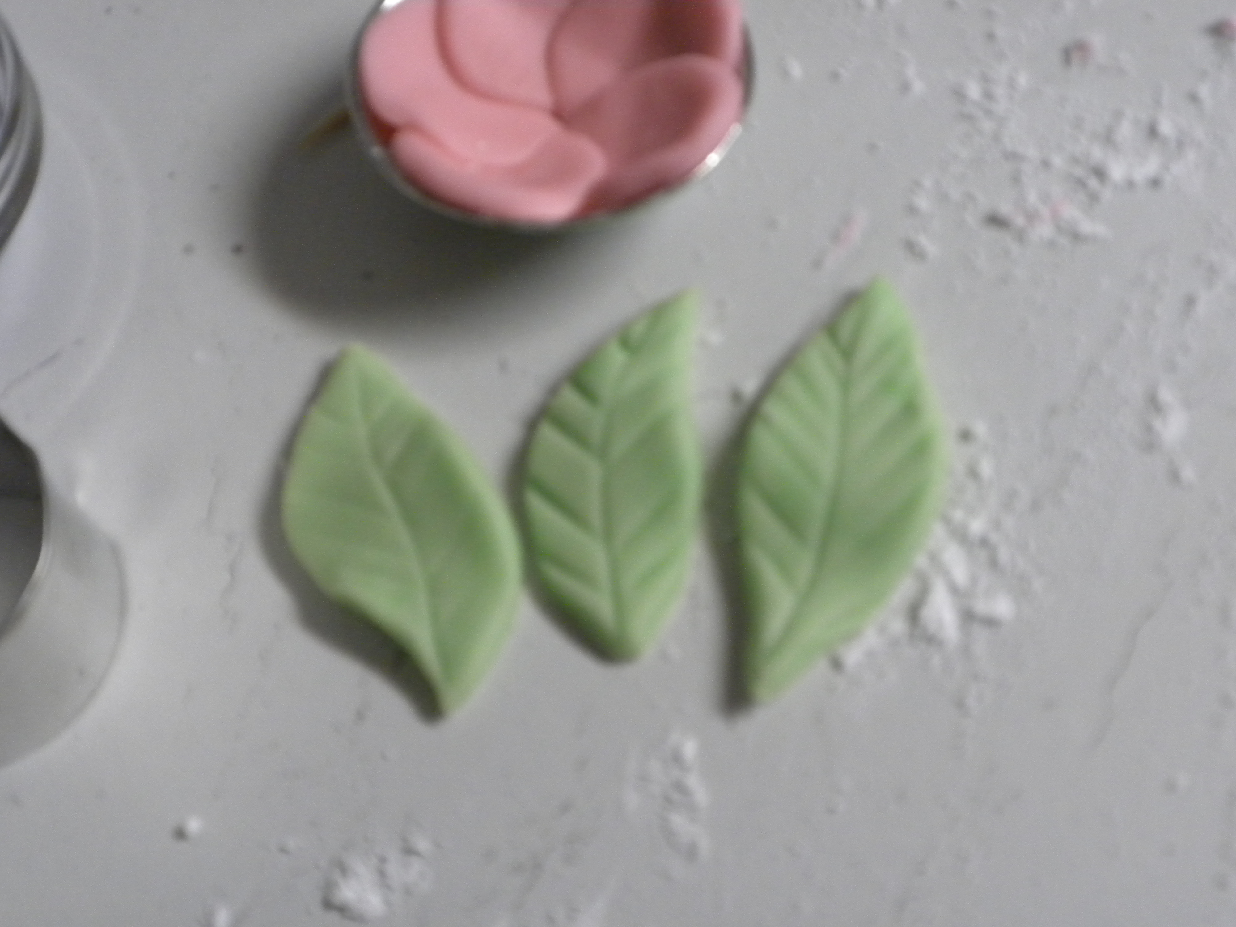 Picture of Step Four - Make Your Fondant Flowers and Leaves