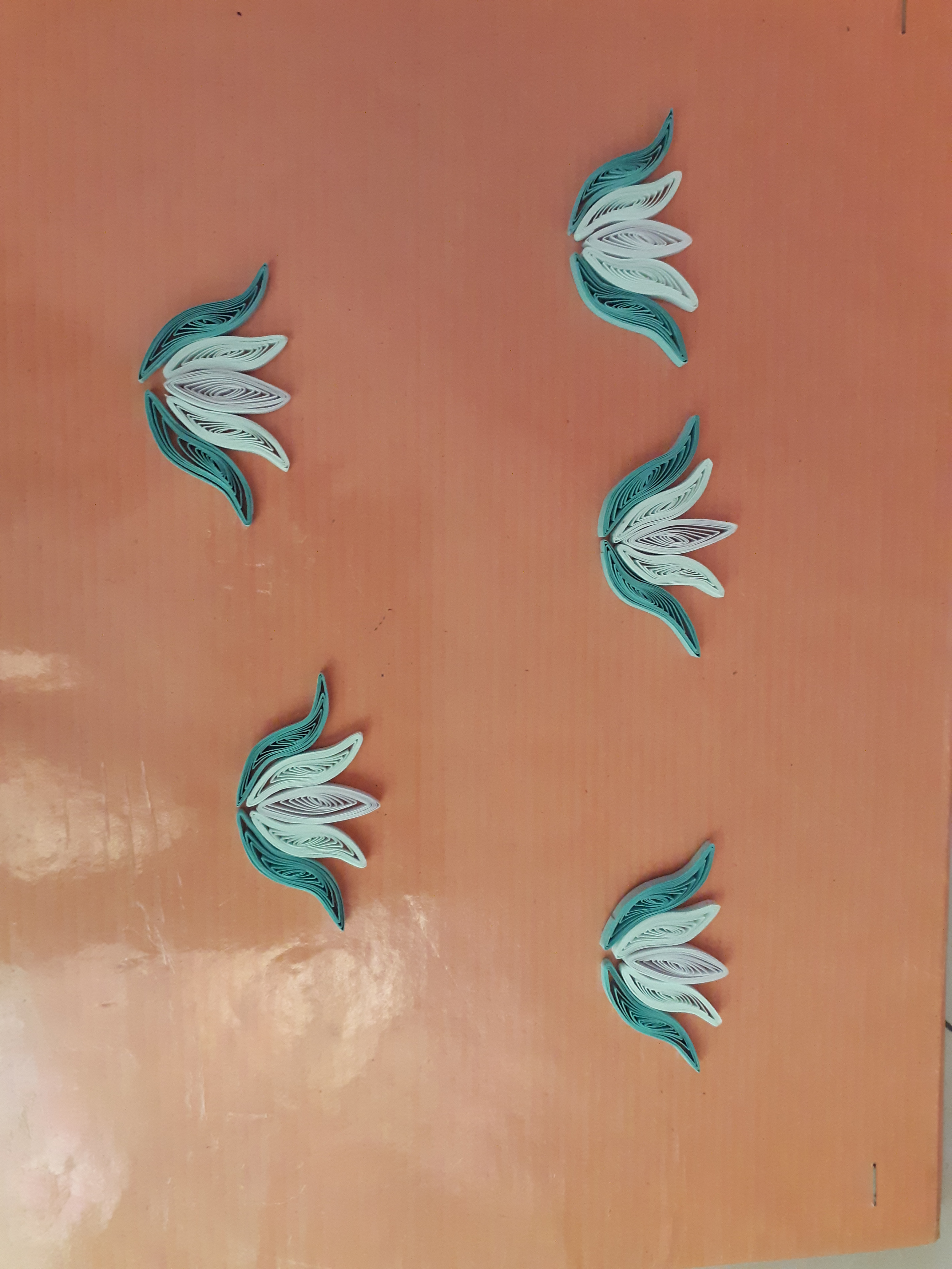 Picture of Making Quilling Petals and Lotus