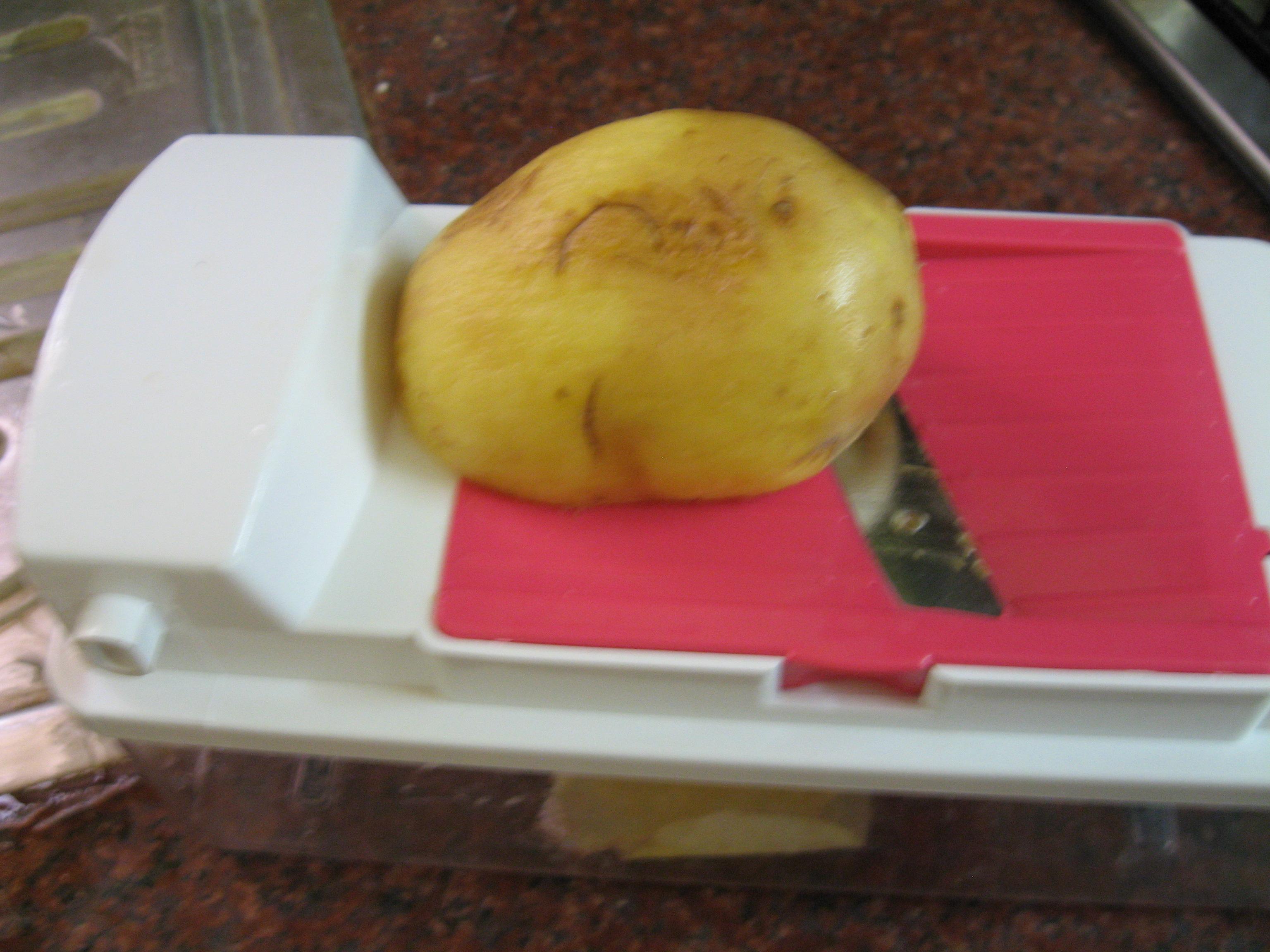 Picture of Make Potato Slices