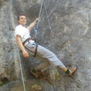 Roped solo (lead) climbing with Grigri