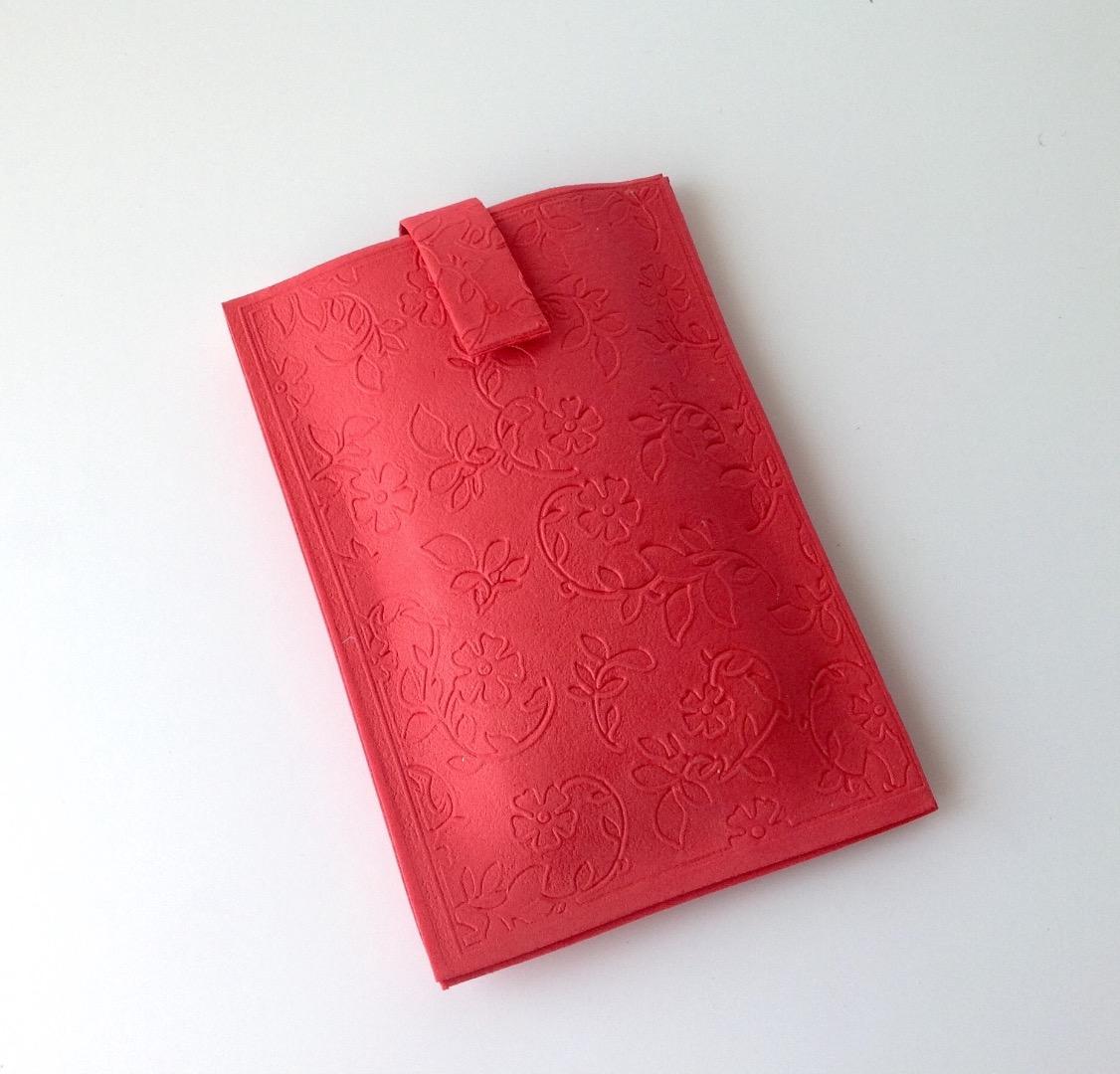 Picture of Make a Pretty Smartphone Case From Craft Foam