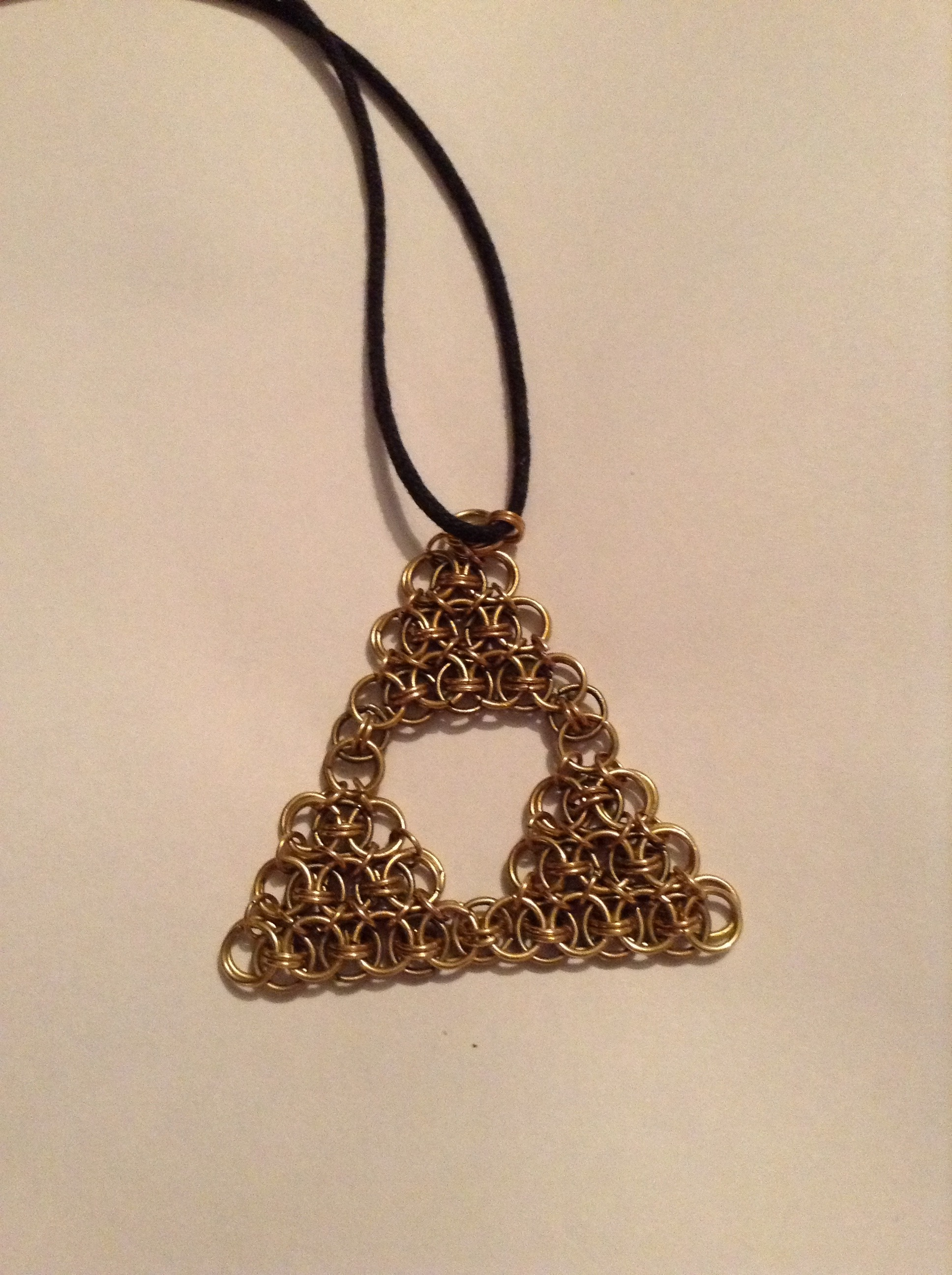Picture of Triforce Chainmaille Pendant