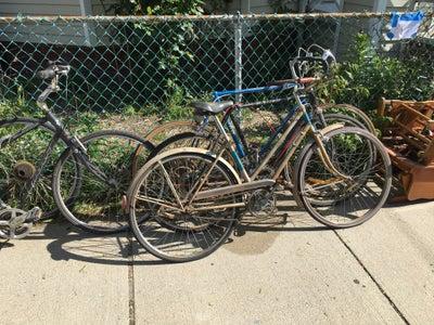 Bikes Bikes Bikes (and a Couple Tubes)