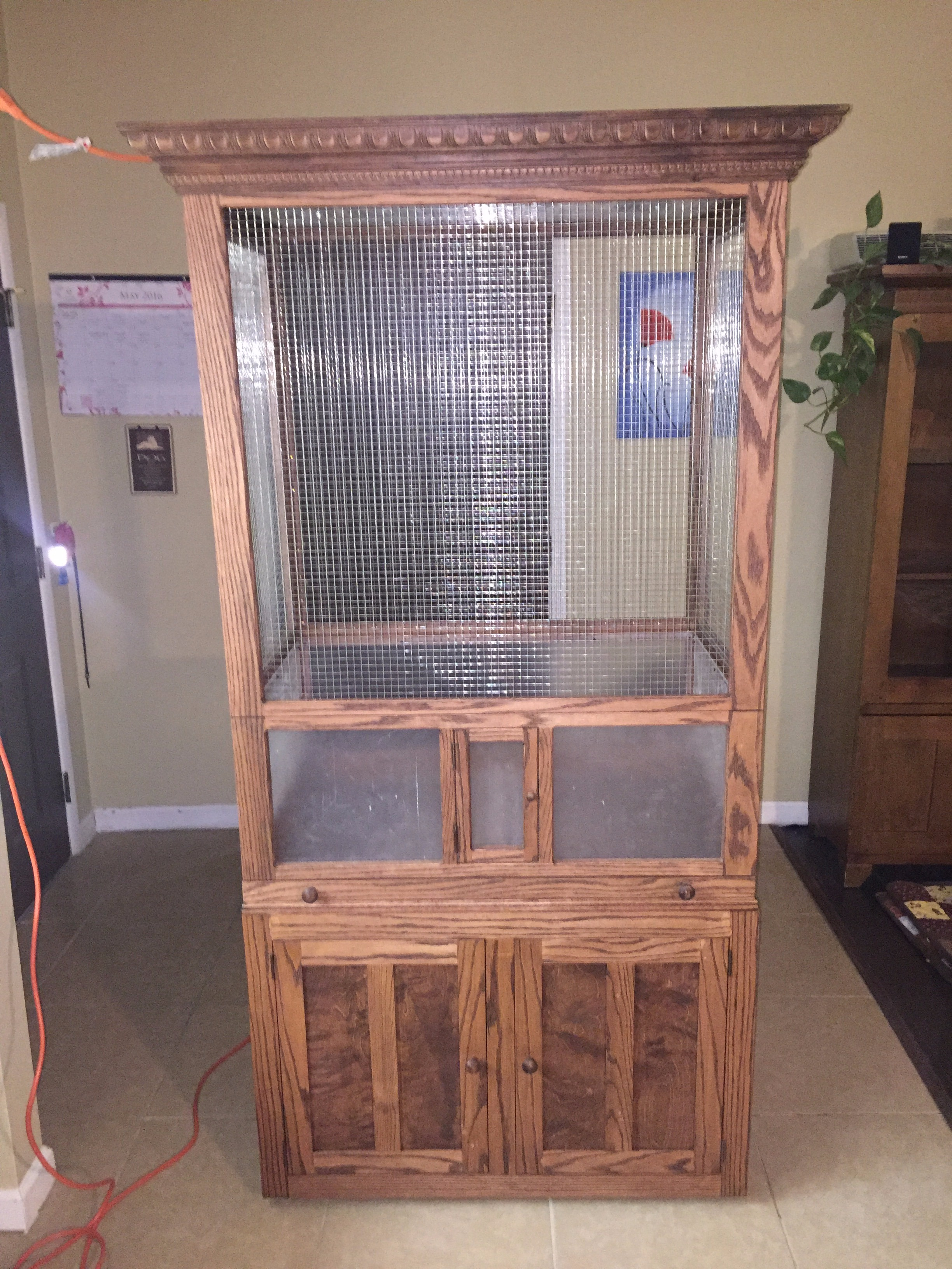 Picture of Christy's Display Cage and Cabinet