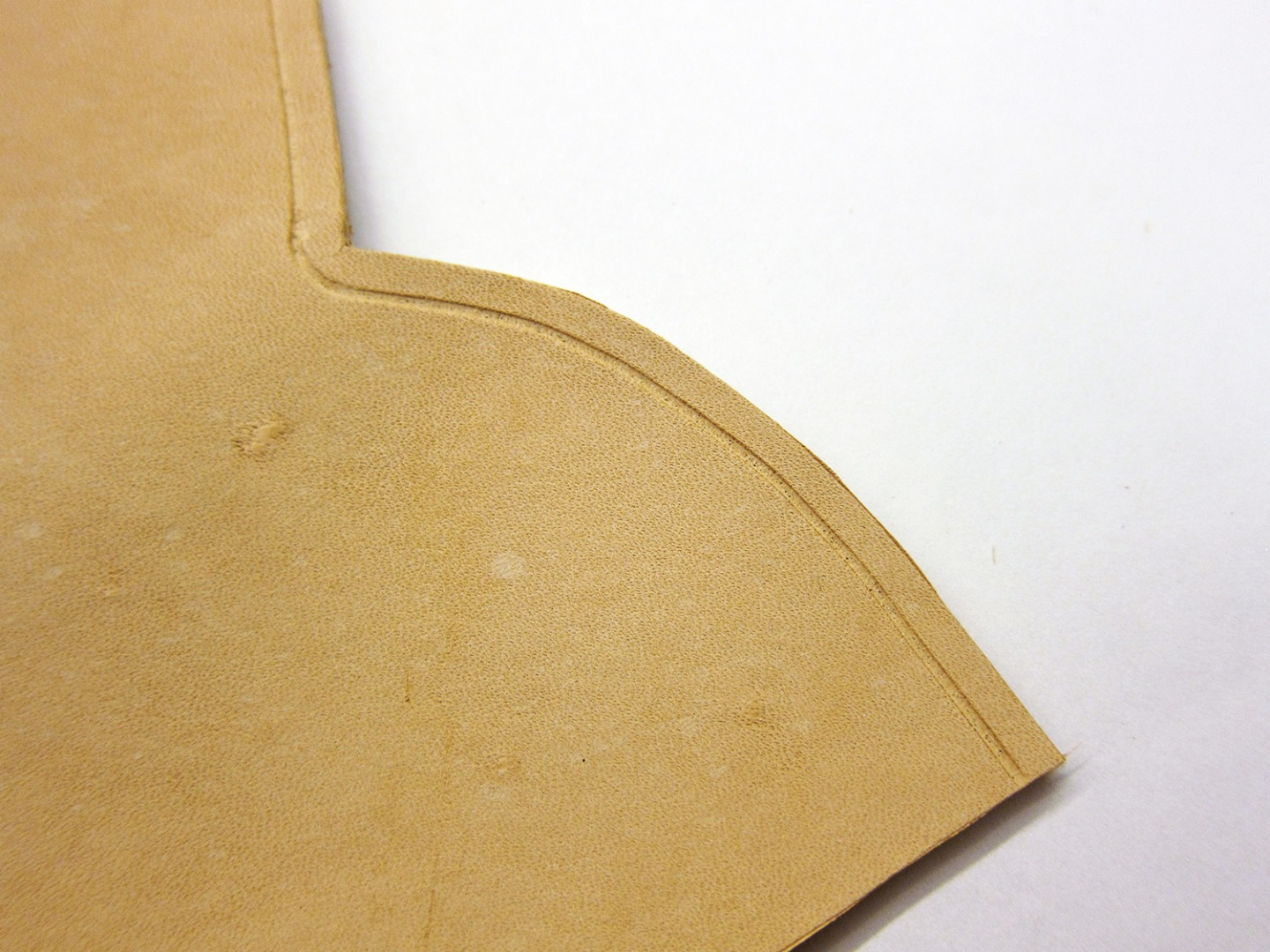 Picture of Make Stitching Grooves