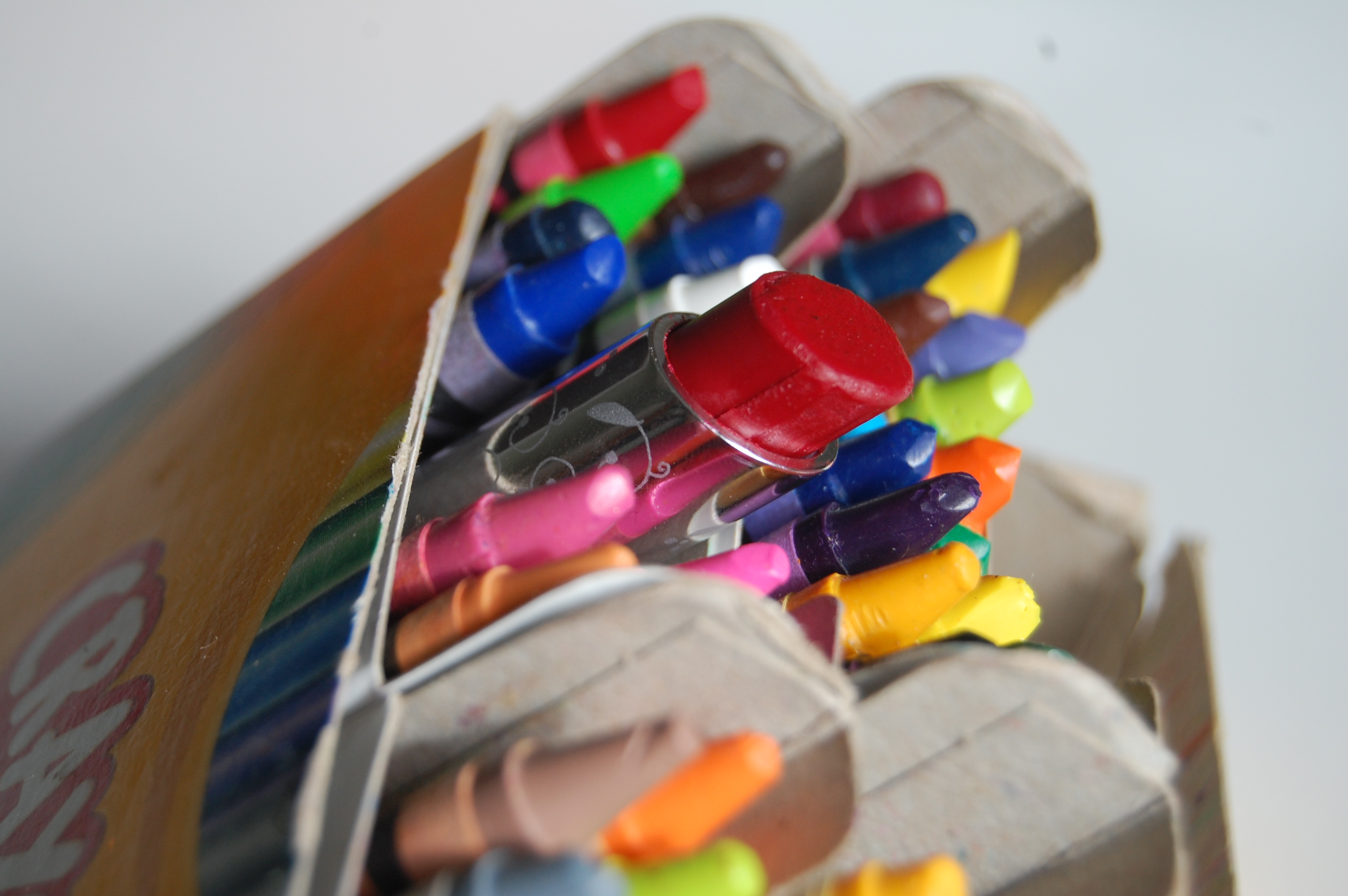 Picture of Make Lipstick With Crayons