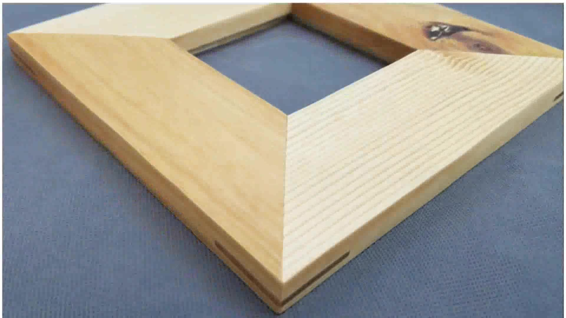 Picture of Cutting Splines in a Picture Frame