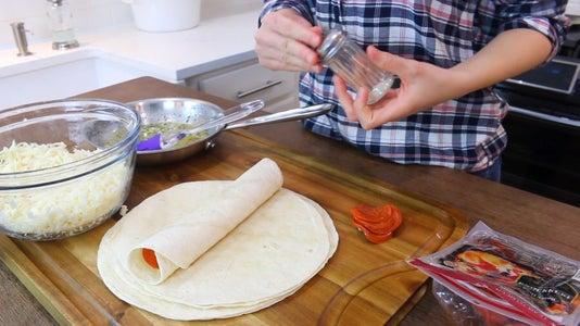 Roll Tortilla