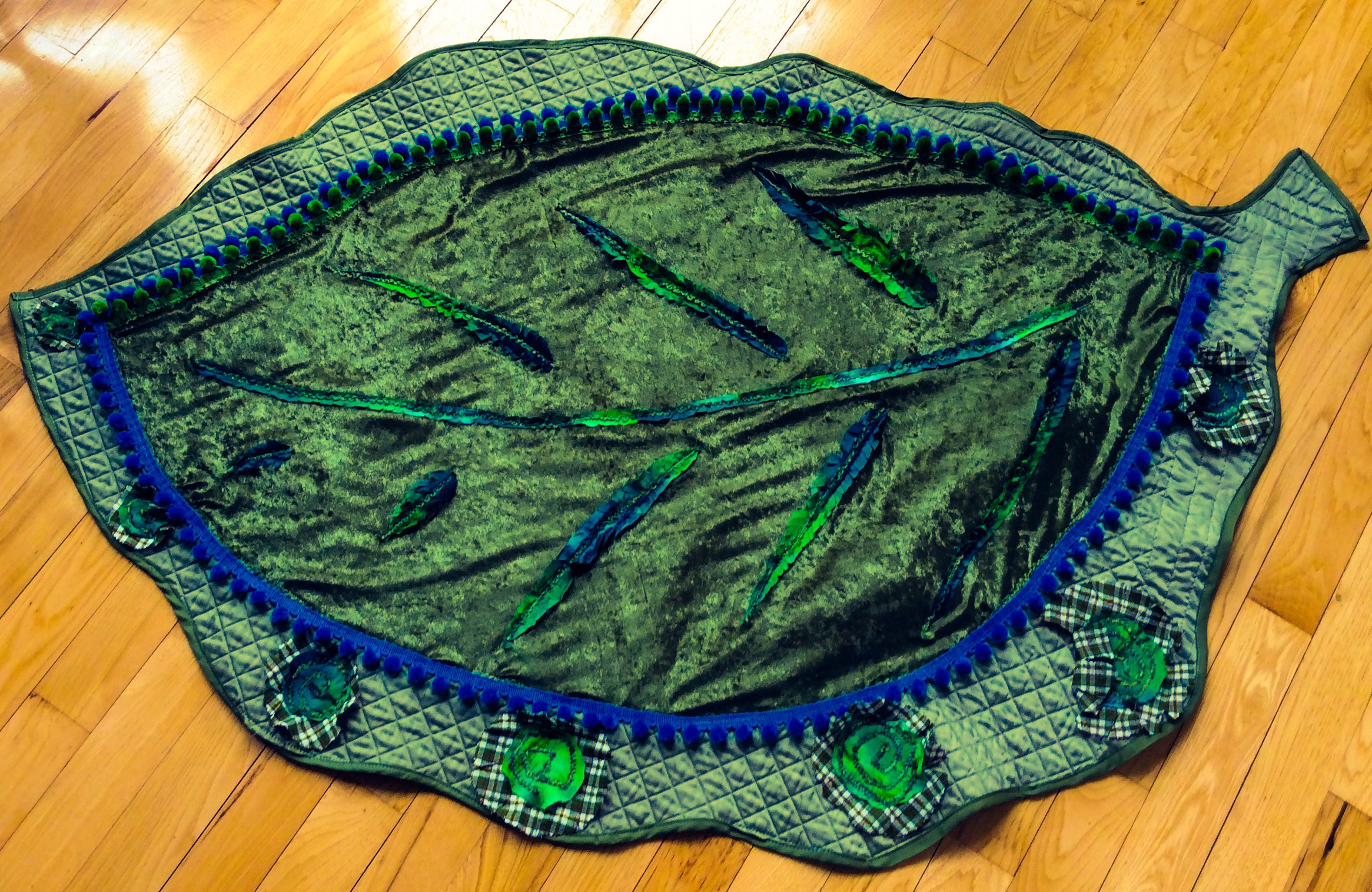 Picture of Quick and Easy Giant Leaf Baby Blanket