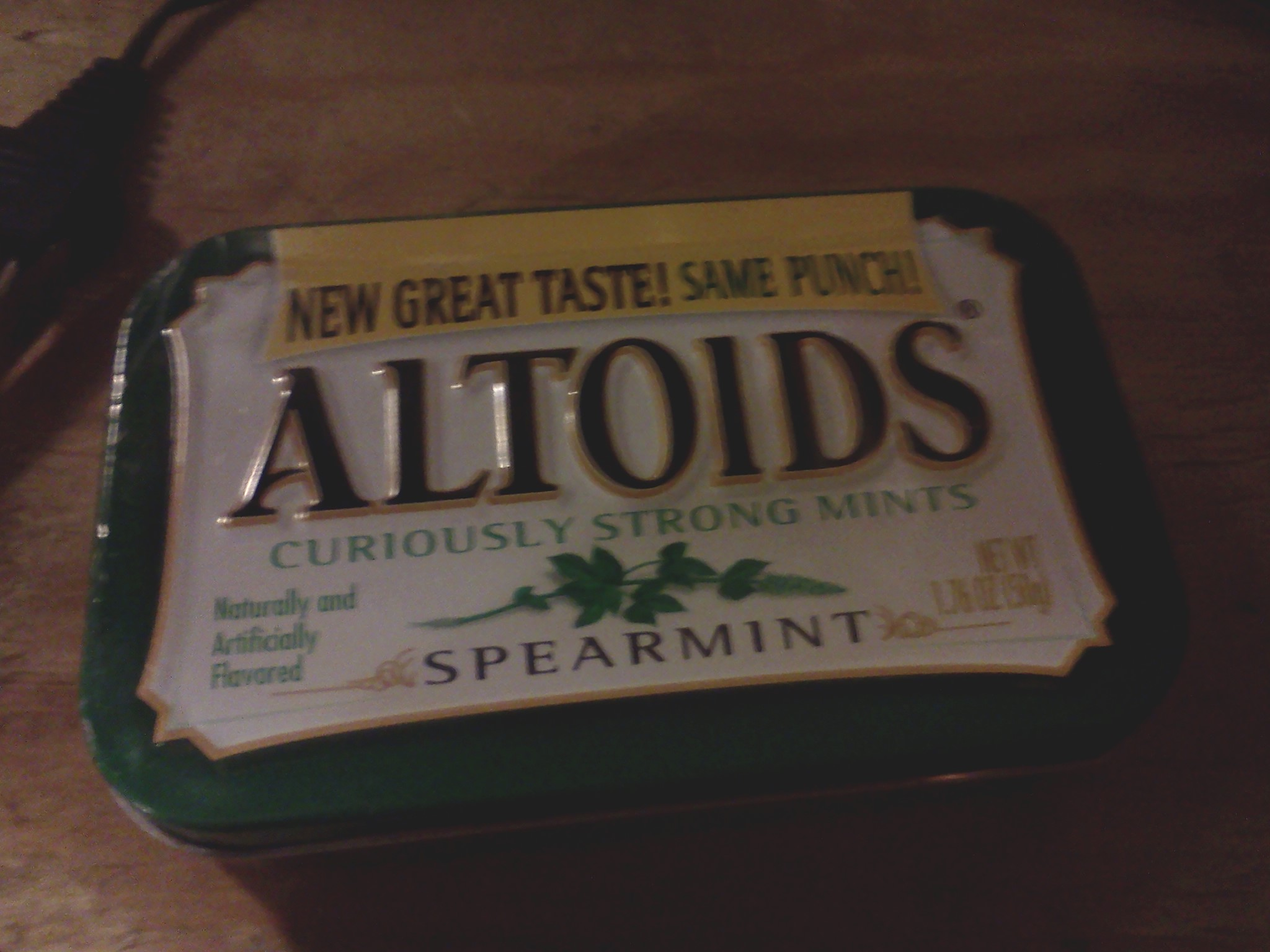 Picture of How to Make a Basic Speaker System That Fits in an Altoids Tin
