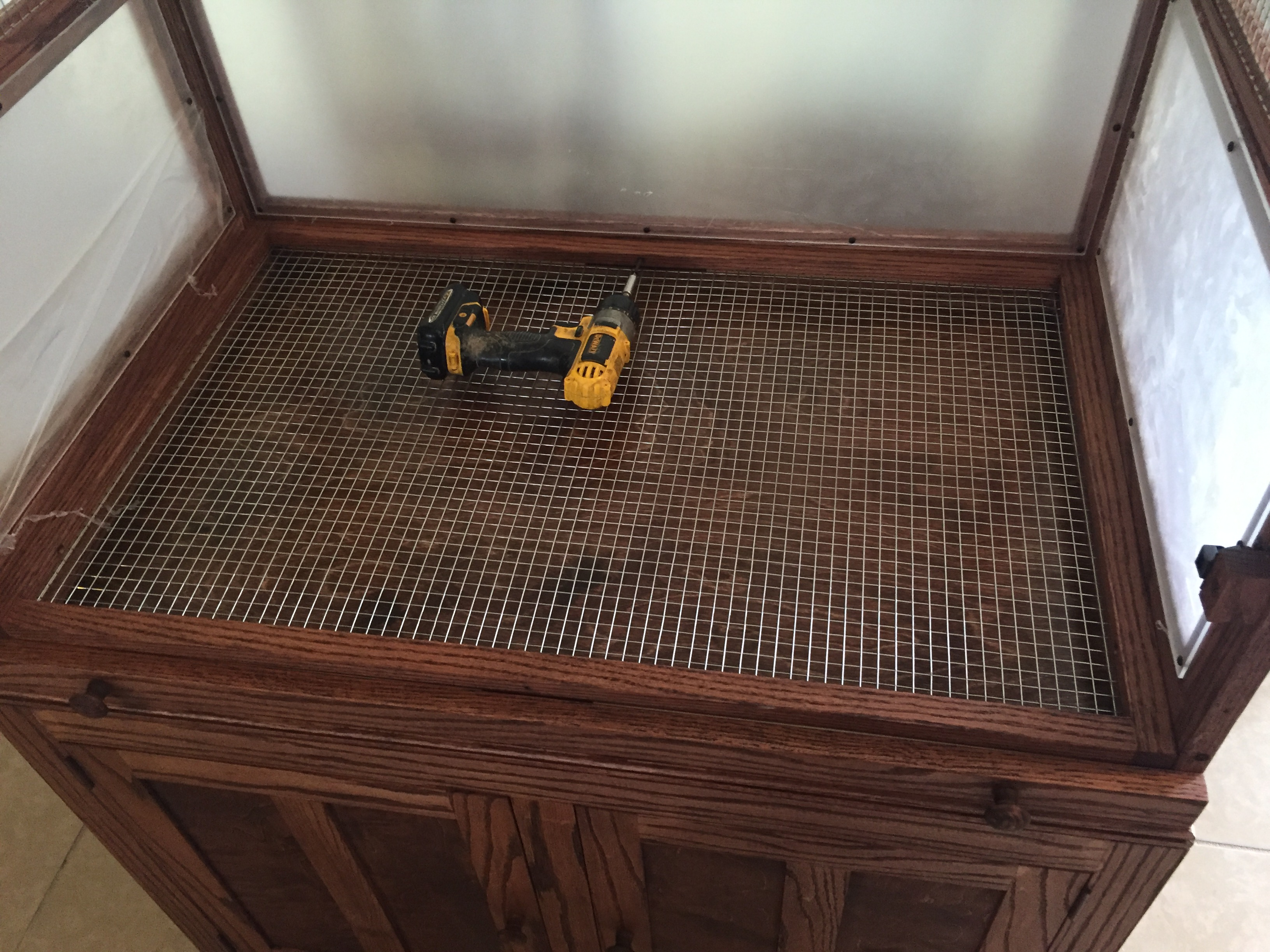 Picture of Drawer Placement and Bottom Screen Grate Assembly