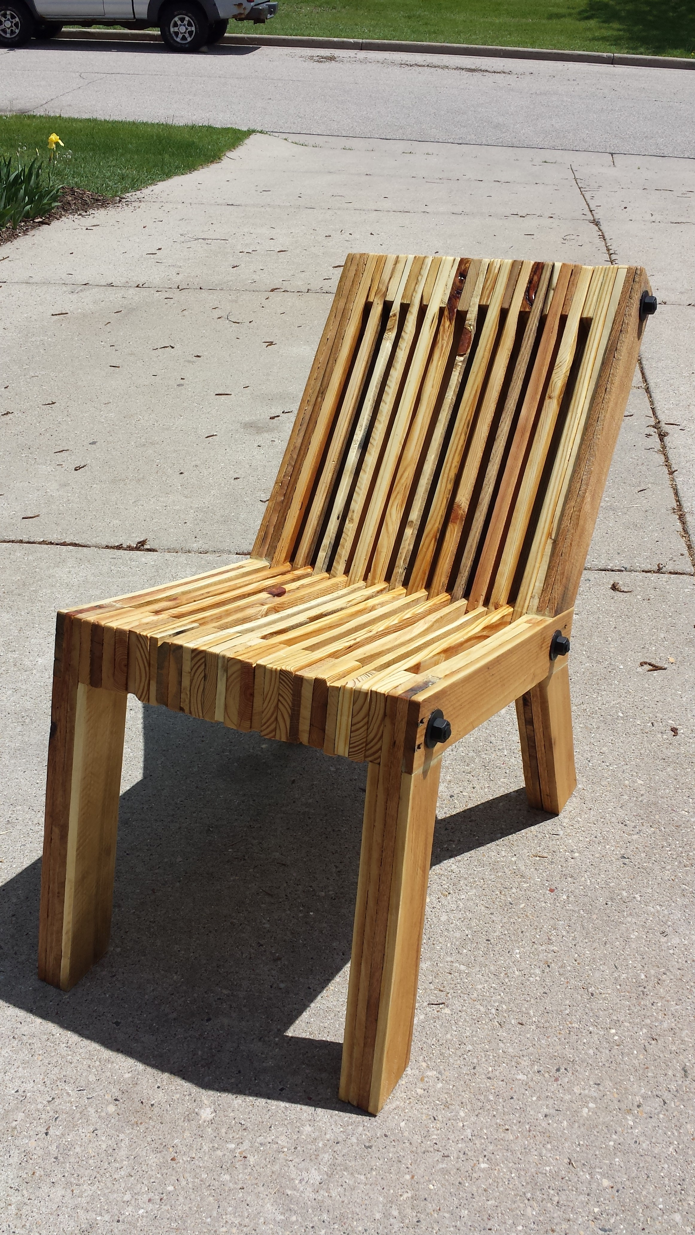 Picture of Reclined Pallet Wood Chair