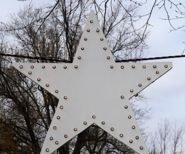 A Christmas Star With Programmable LEDs