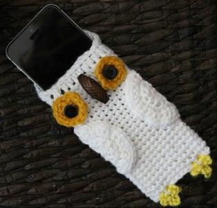 Crochet Hedwig Phone Cozy