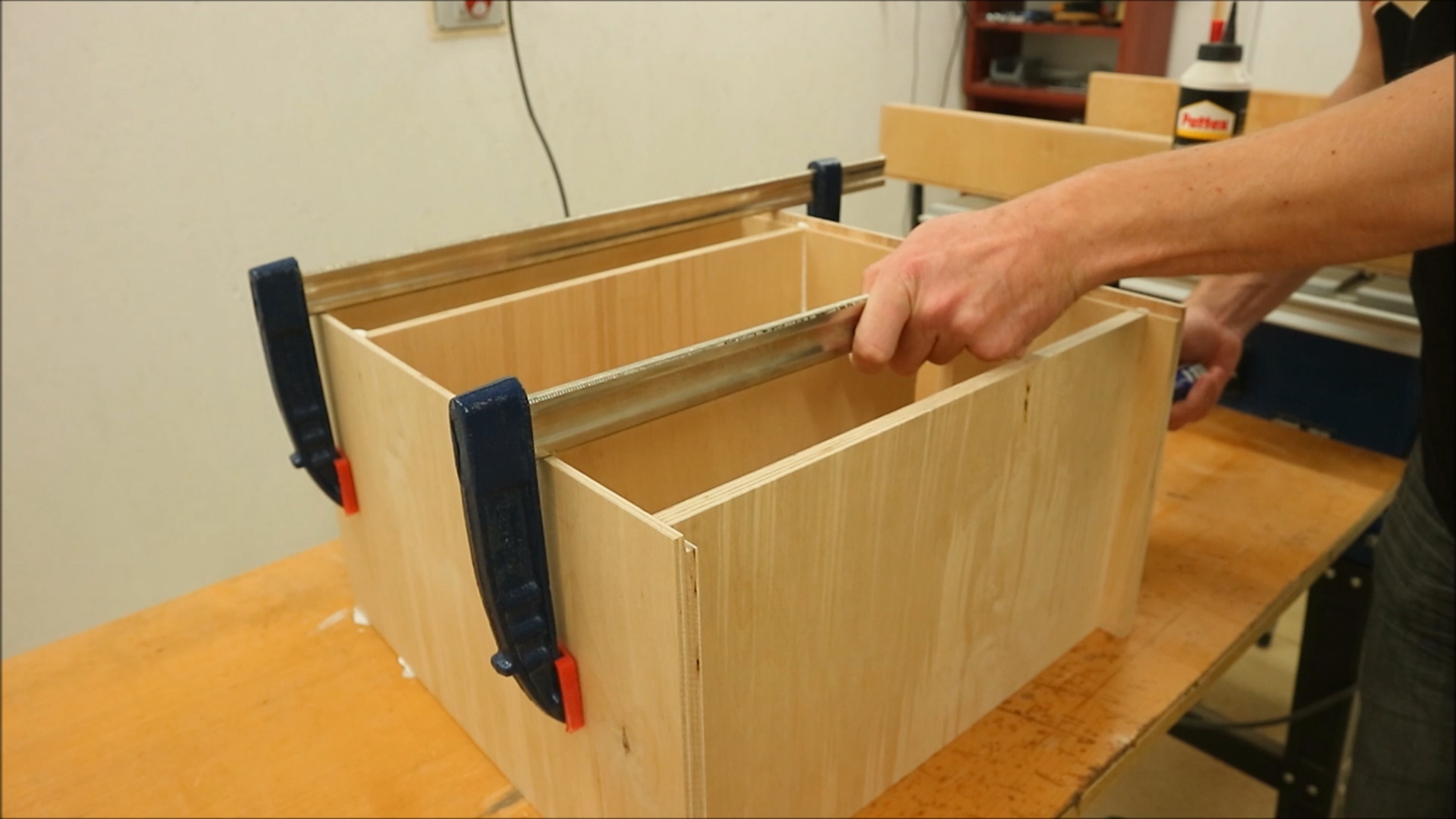 Picture of Assembling the Box