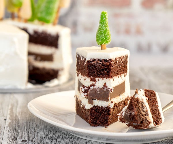 Dark Larry Layer Cake With Chocolate Filling