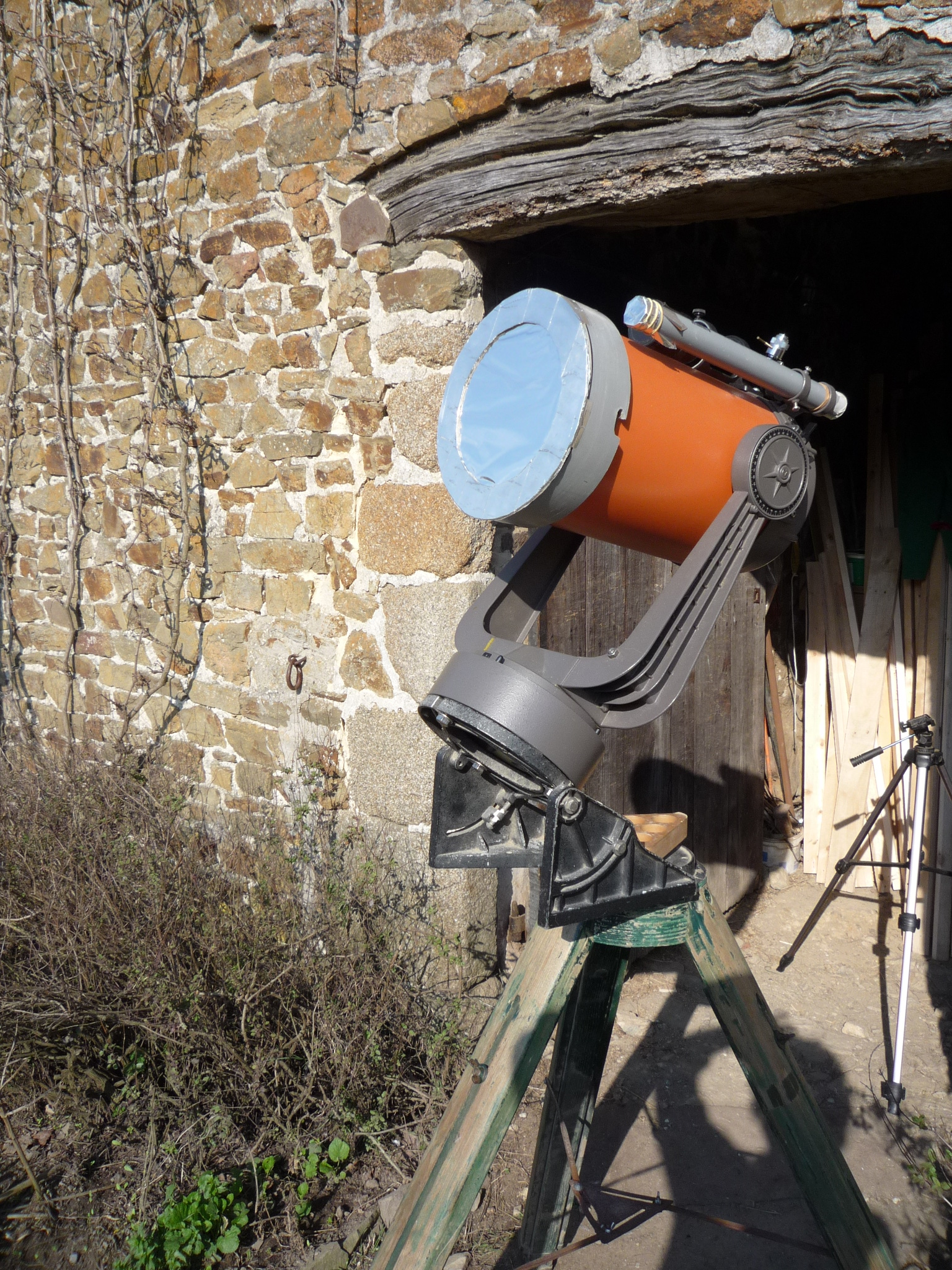 Picture of How to  Make a Lockable Solar Filter for a Telescope. Get Ready for the Eclipse 2017