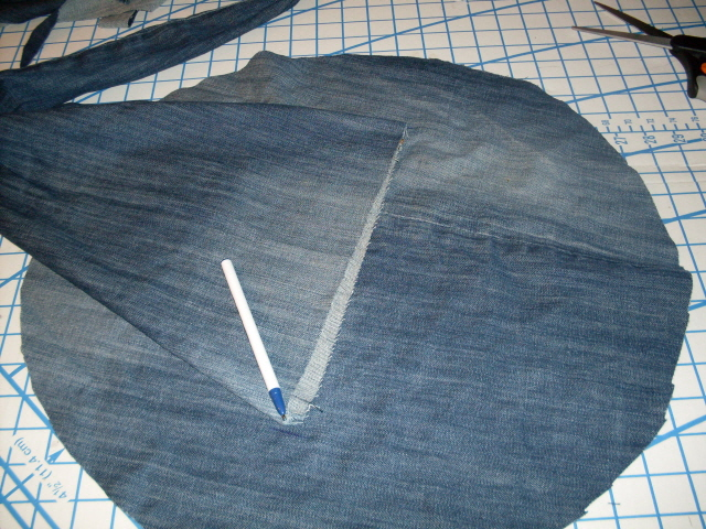 Picture of Witch Hat Pattern & Cutting