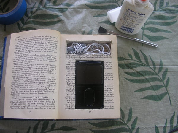 Ipod or Mp3 Player Hardcase From a Book