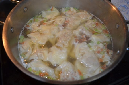 Broth and Wonton Cooking