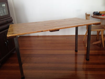 Turn a Trestle Table Into a Desk!
