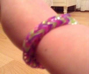 How To Make A Rainbow Loom Fishtail Bracelet With Your Fingers
