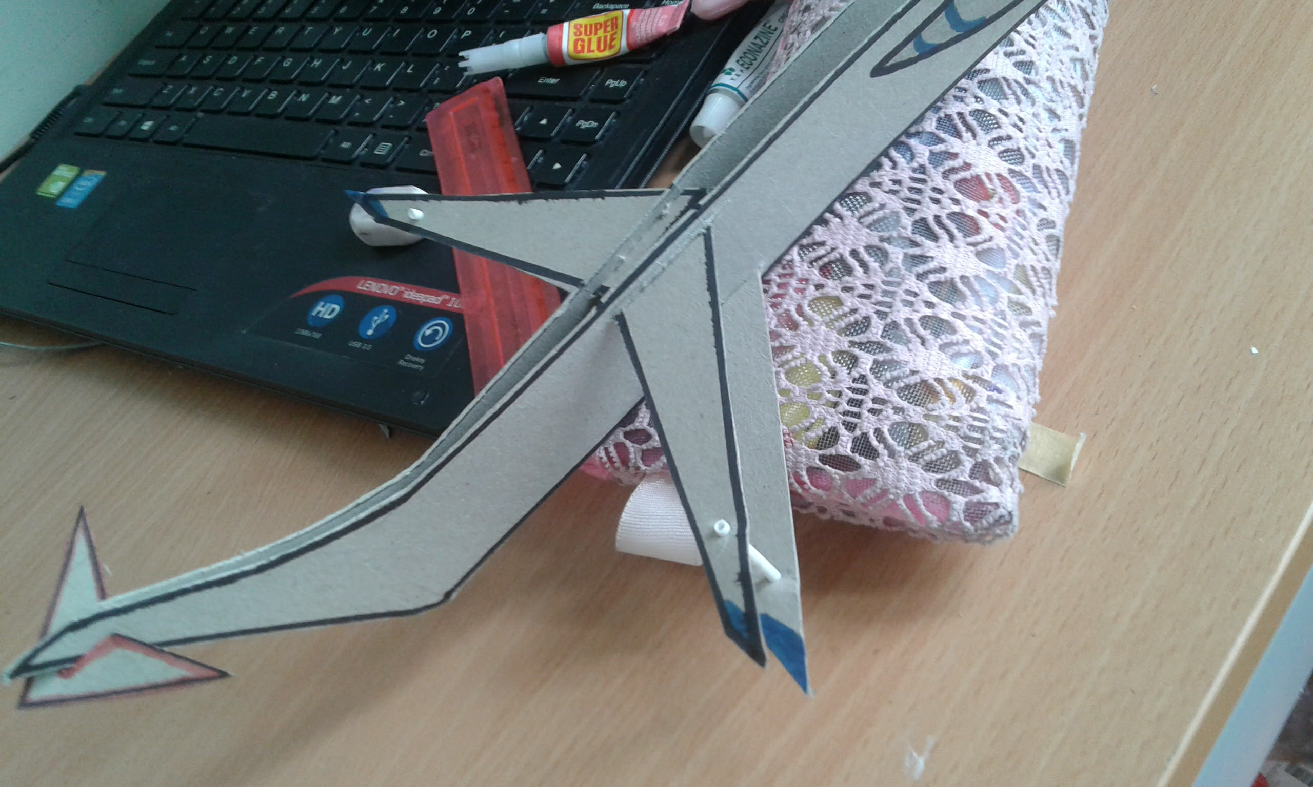 Picture of Simpleto Cardboard Plane