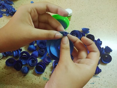 MAKING QUILLED ROSES