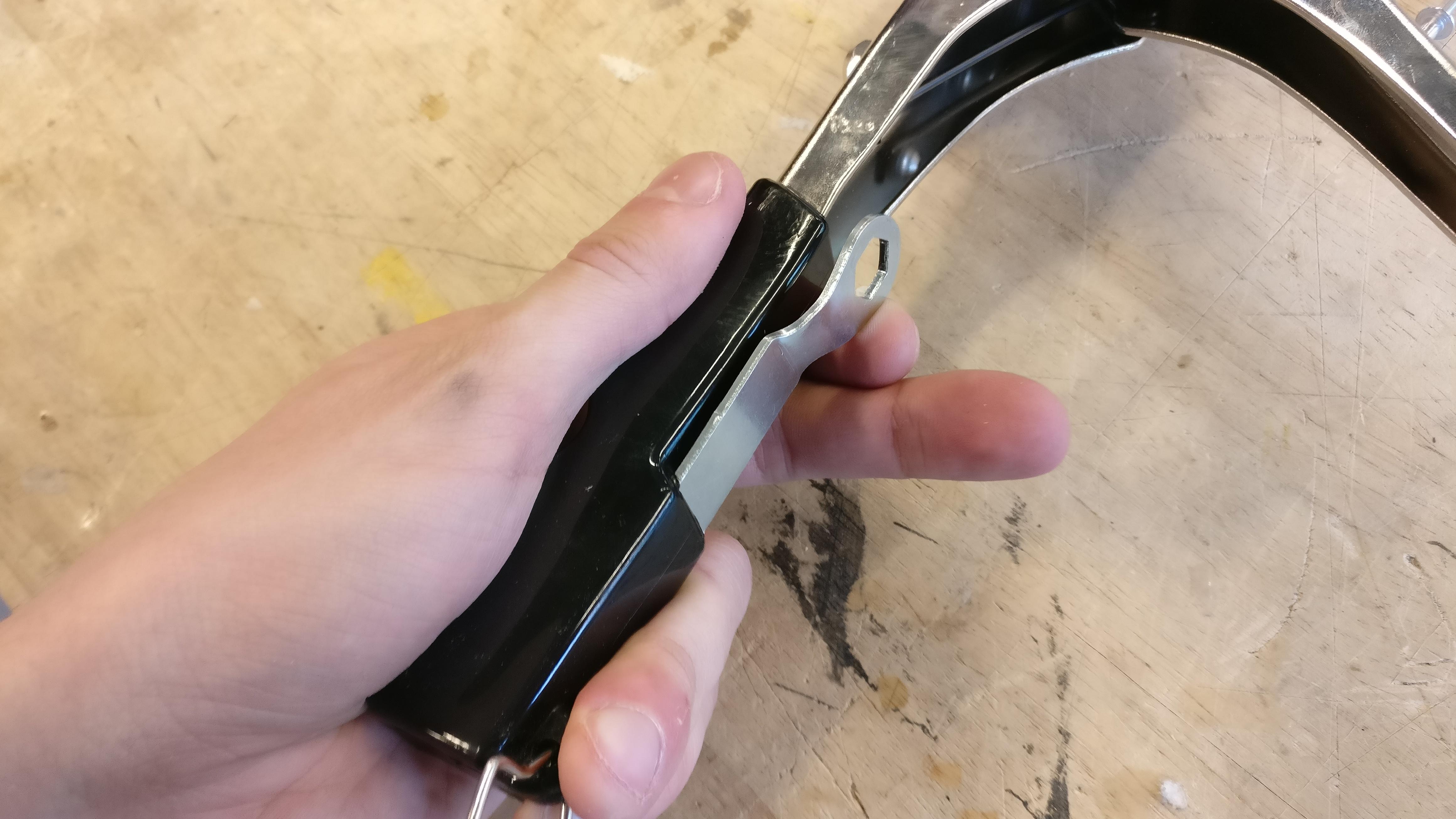 Picture of Preparing the Rivet Gun #2