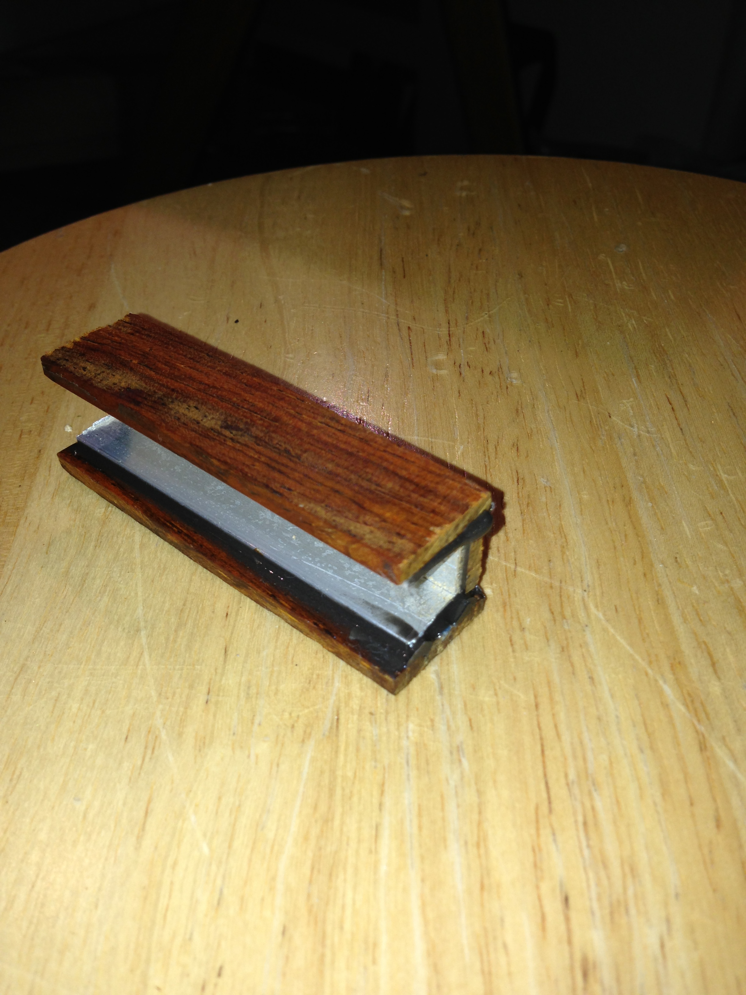 Picture of Epoxy Wood to Aluminum Channel